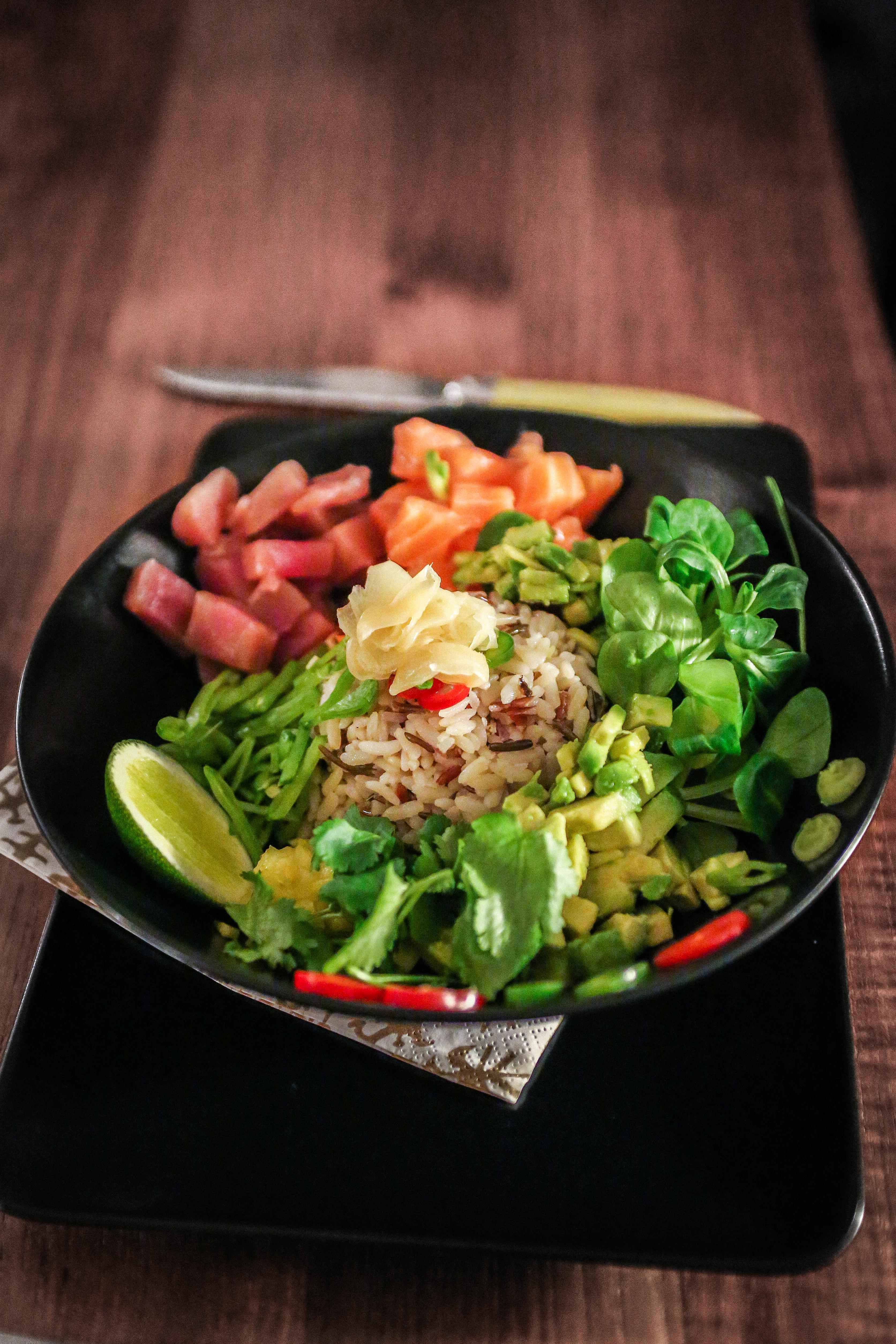 Poke bowl (salade hawaïenne au thon et saumon)